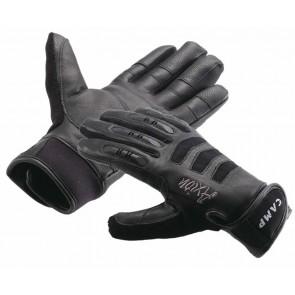 guanti per ferrata